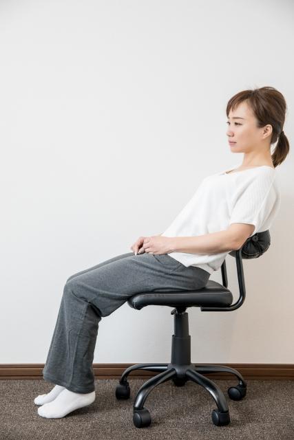 座り姿勢はなにがベストか。